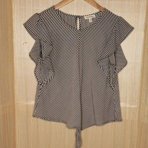 Monteau Black And White Front Tie Blouse